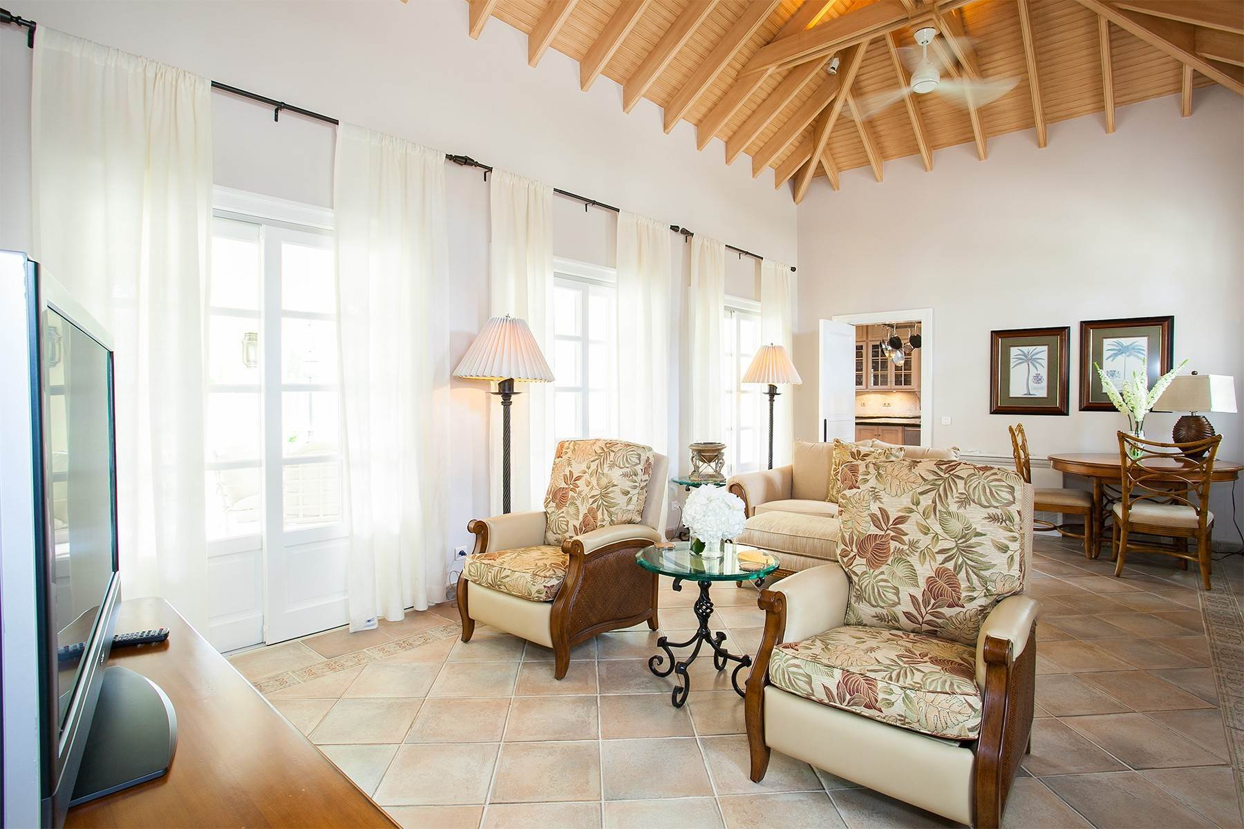 38. Single Family Homes for Sale at Chateau des Palmiers Terres Basses, 97150, St. Martin