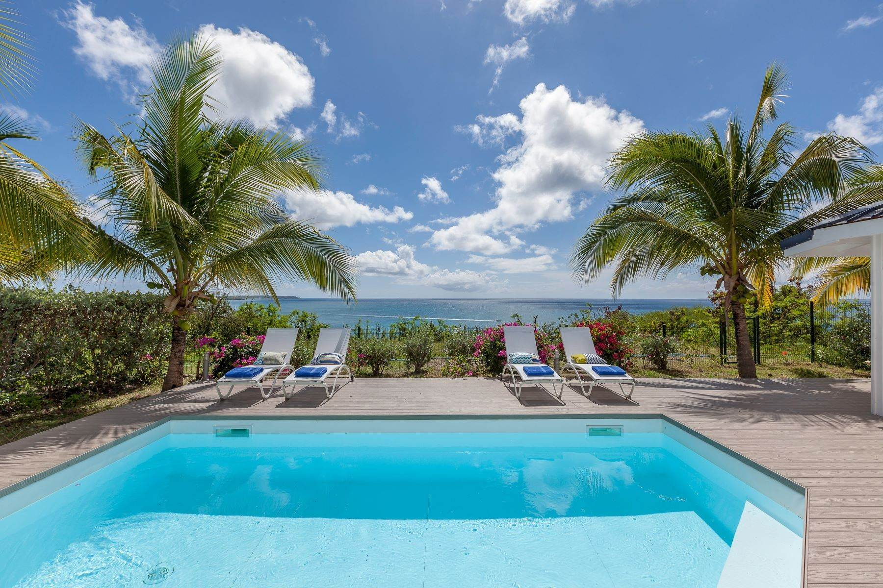 19. Single Family Homes for Sale at Sea Dream Happy Bay, 97150, St. Martin