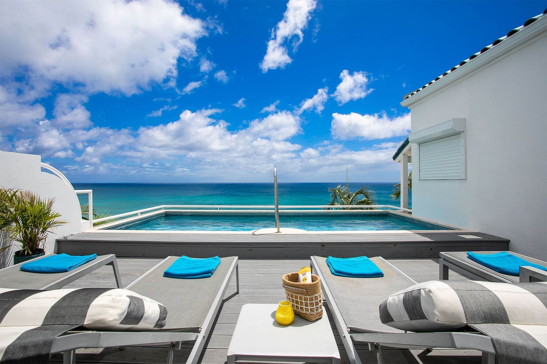 Single Family Homes for Sale at Sea Esta Cupecoy, St. Maarten