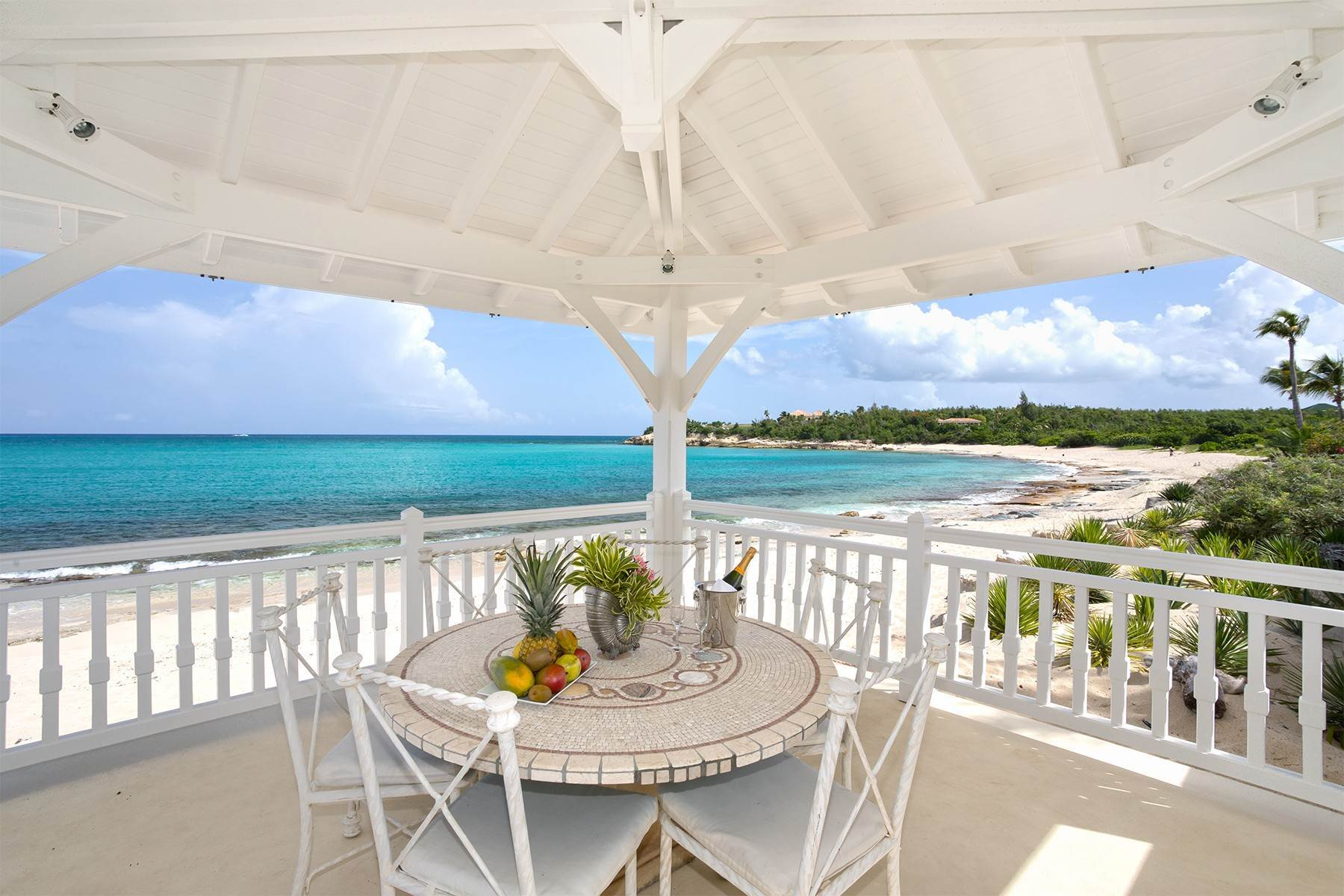 8. Single Family Homes for Sale at Chateau des Palmiers Terres Basses, 97150, St. Martin