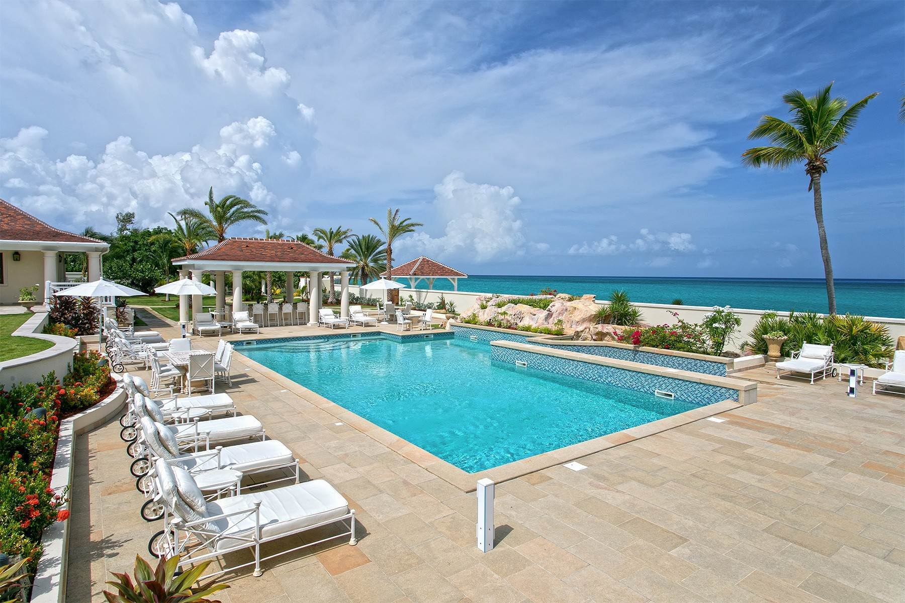 7. Single Family Homes for Sale at Chateau des Palmiers Terres Basses, 97150, St. Martin