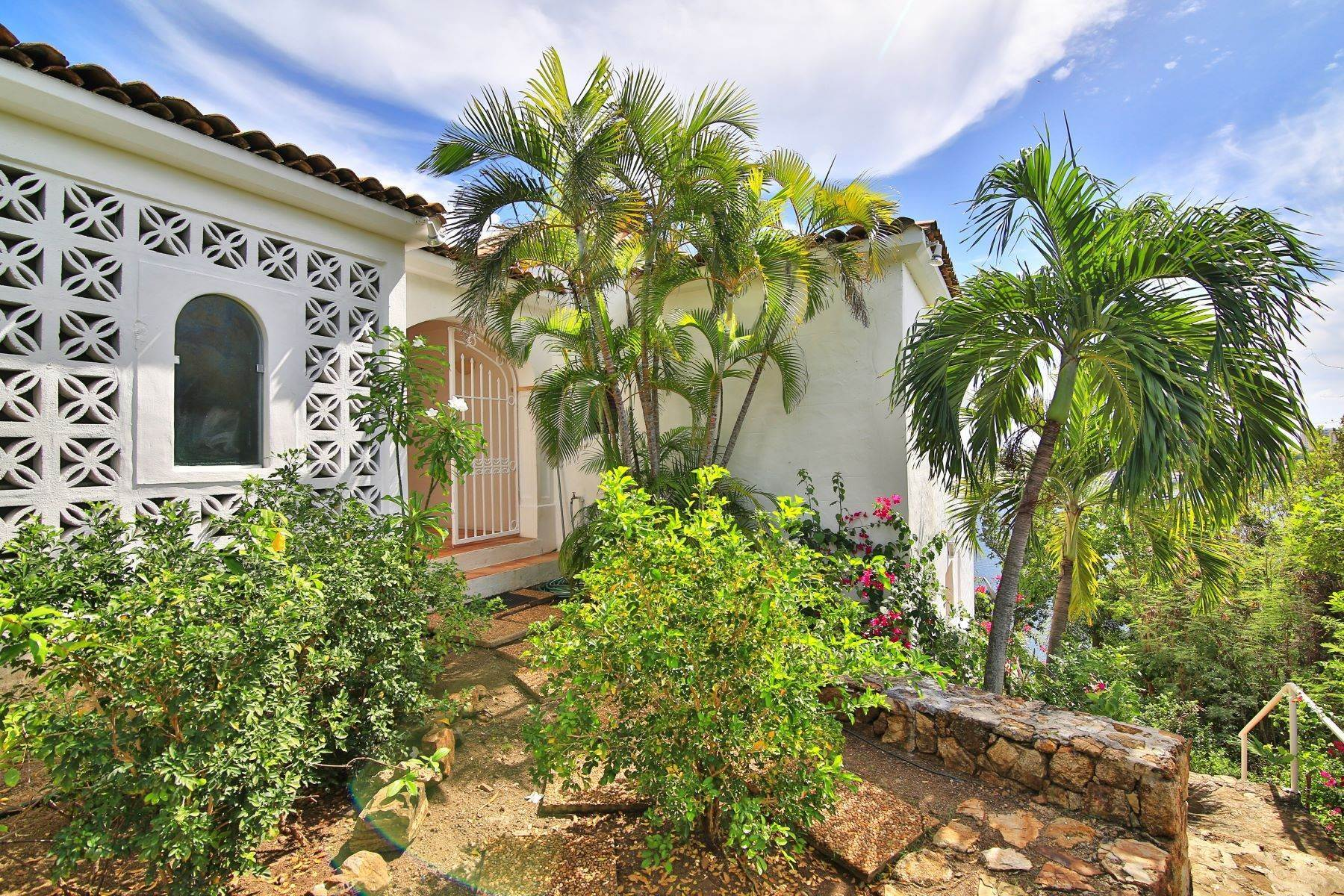 13. Single Family Homes for Sale at Escapade Terres Basses, 97150, St. Martin